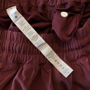 lululemon athletica Shorts - lululemon - Hotty hot short